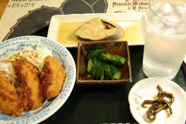 2017 8 22 夕食 煮魚、魚のフライ ブログ用.jpg