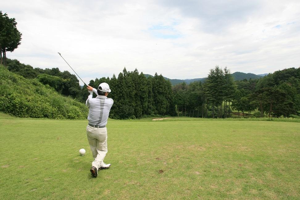 2017 8 24 自治会ゴルフの同級生のナイスショット ブログ用.jpg