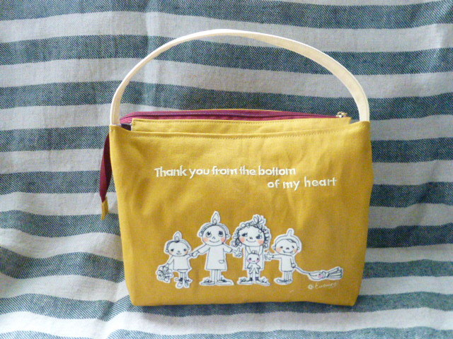 キャラクター刺繍バッグ