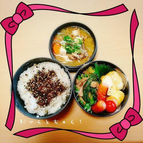 ★5月17日(水)鶏肉とピーマンの塩こしょう炒めと豚汁弁当1