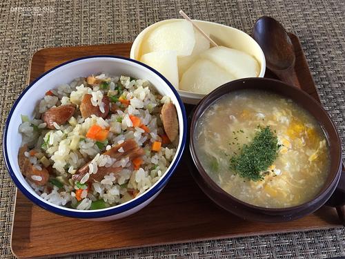 焼き鳥缶の炒飯弁当01