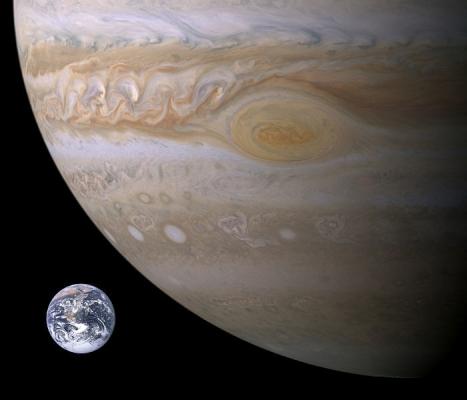 Jupiter,_Earth_size_comparison