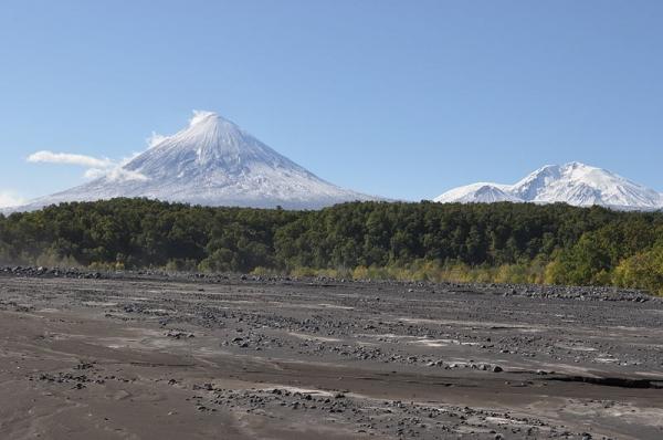 800px-Klyuchevskoi_Volcano.jpg