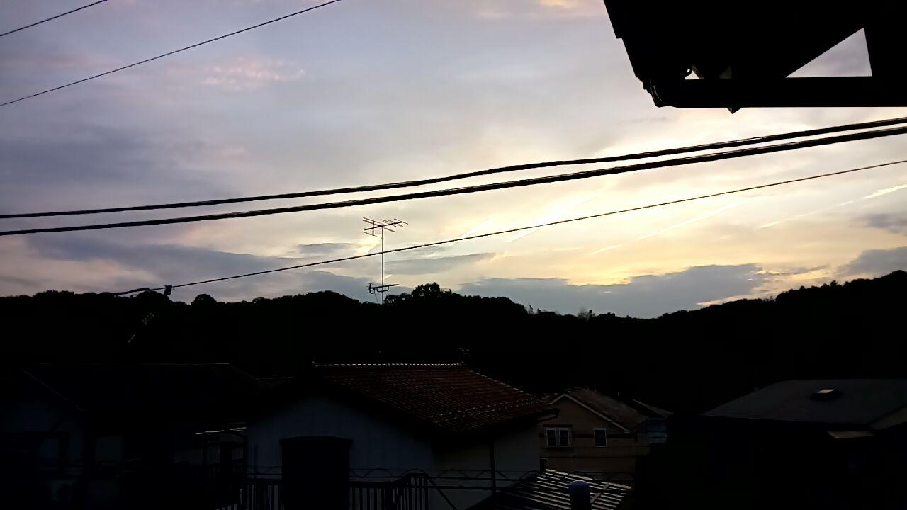 【地震雲】神奈川で「変な雲」が出てたから地震に気をつけろよ!