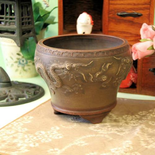 植木鉢を育てる 気持ちに余裕がないとできない宜興の植木鉢