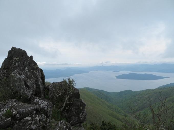 屏風岩と屈斜路湖