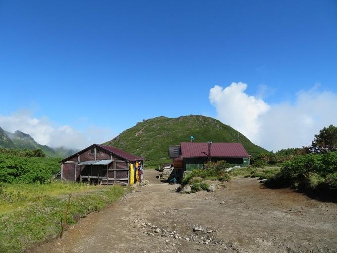 石室と桂月岳