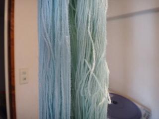 藍の生葉染め ウール糸