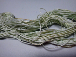 藍の生葉でレース糸を染める