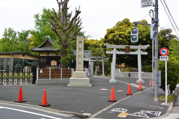 三囲神社①