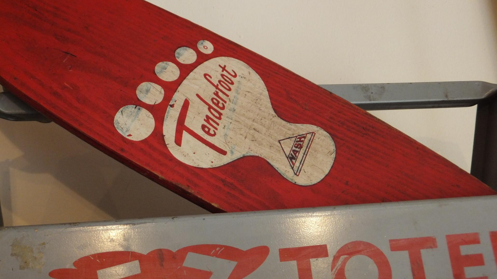 201708 アメリカンヴィンテージ買付け スケボー Nash Tenderfoot Vintage Skateboard