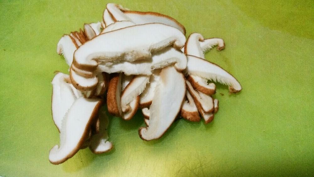 シイタケの肉包みの作り方1