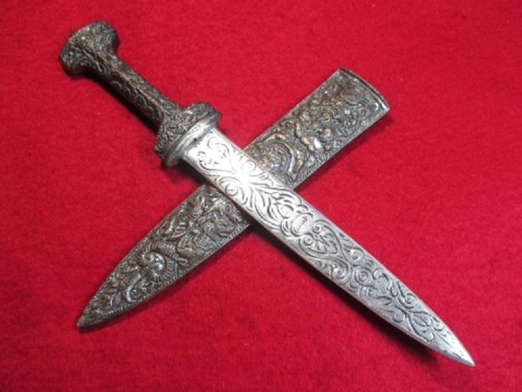 4ローマの護身用短剣