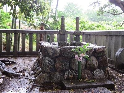 IMG_8971 井殿の塚