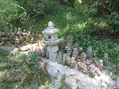 IMG_9995 戦国武将の墓