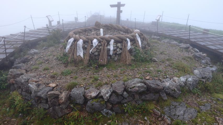 山頂ピークの神聖