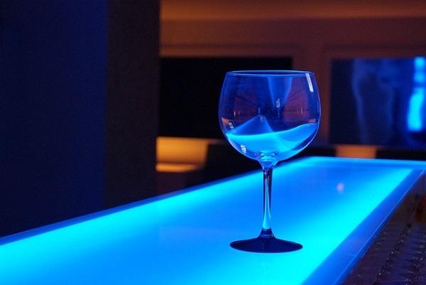 フリー画像・青いグラス