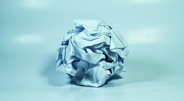 フリー画像・丸めた紙くず