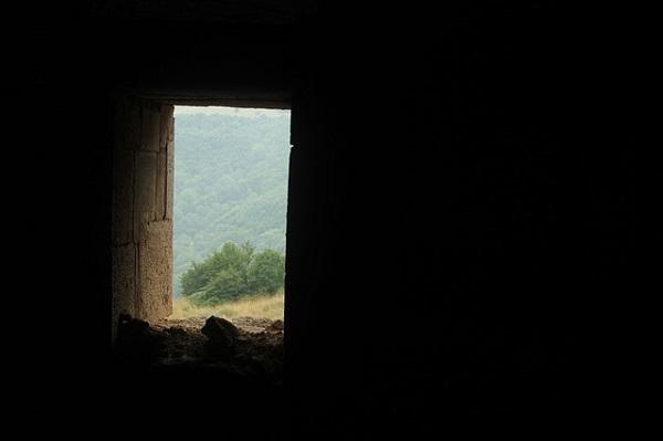 フリー画像・闇に見える扉