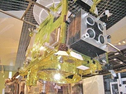 惑星探査機はやぶさ模型
