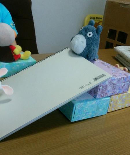 ティッシュBOX遊び3