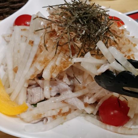 2017-06-11-豚でもビックリ!大根サラダ