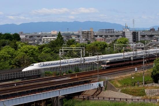 ⑤新幹線とひだ (550x367)