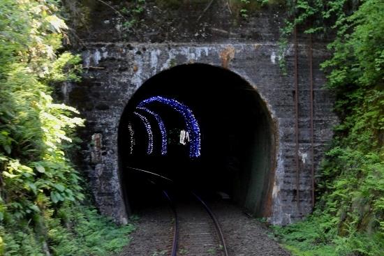 ③乙ケ崎トンネルイルミネーション (550x367)