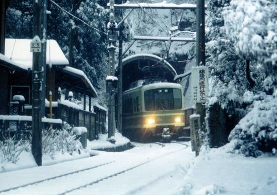 ⑨雪のトンネル (550x387)