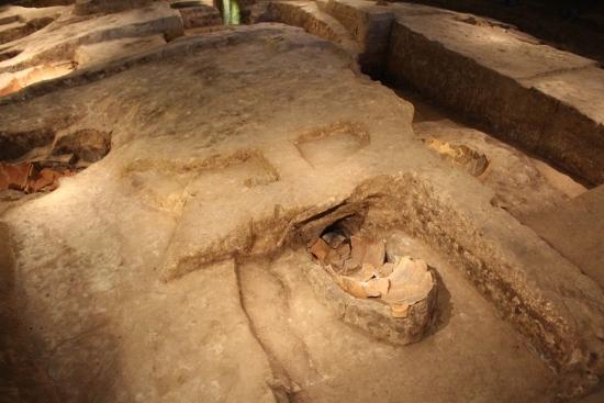 ⑨北墳丘墓 (550x367)