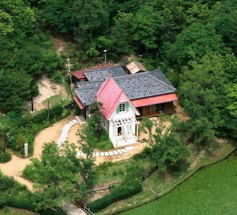 ジブリパーク「サツキとメイの家」(470x425)