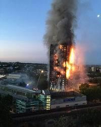 ロンドン高層アパート火災01(200x252)