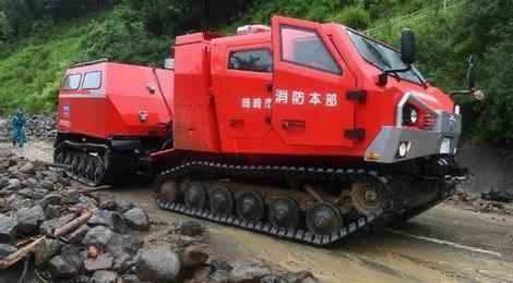 被災地に特殊車両「サラマンダー」02(470x260)