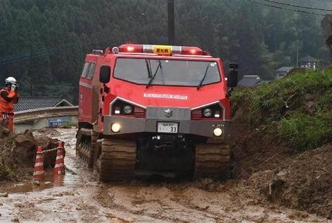被災地に特殊車両「サラマンダー」01(470x316)