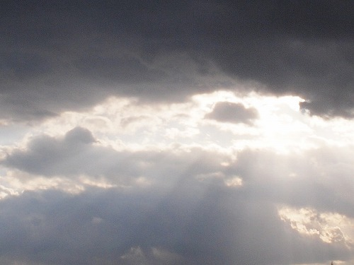 500雲と光1