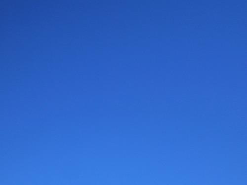 500青空と本堂170918