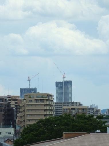 6国分寺の高層ビル群0529