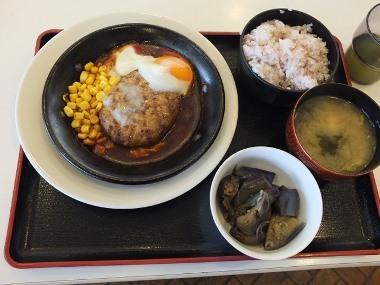 9目玉焼ハンバーグ定食0623