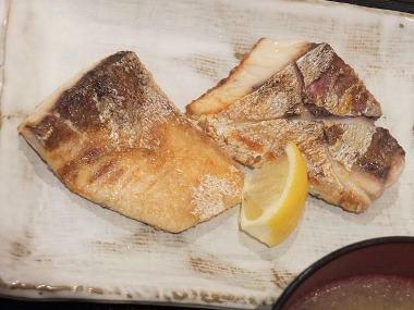 14日替わり焼き魚定食カンパチ塩焼アップ0831