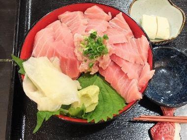 16本格マグロ丼アップ0831