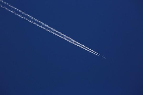 飛行機雲 170424 02