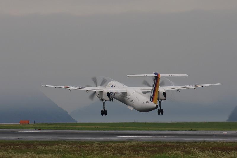 3X DHC-8-402Q JA842C RJOM 160621 11