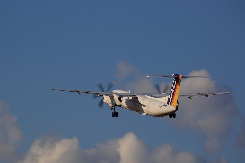 3X DHC-8-402Q JA842C RJOM 170212 08