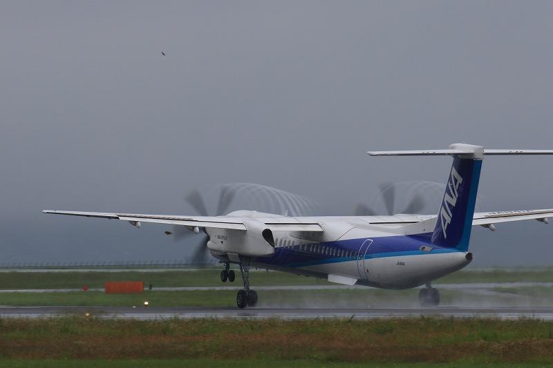 EH DHC-8-402Q JA841A RJOM 170707 02