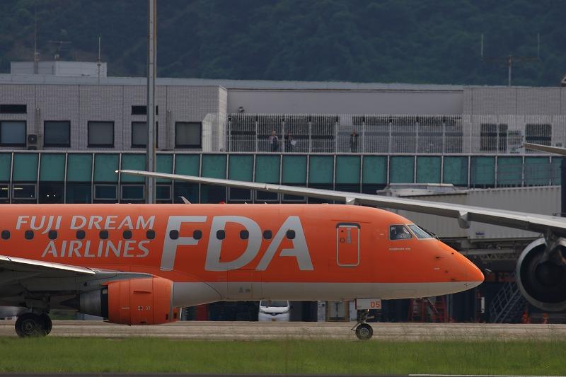 FDA ERJ-175STD JA05FJ RJOM 170715 04