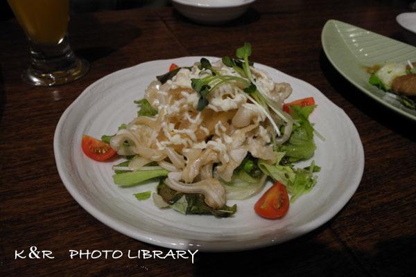 2016年9月8日沖縄時間12ミミガーとクラゲのコリコリサラダ