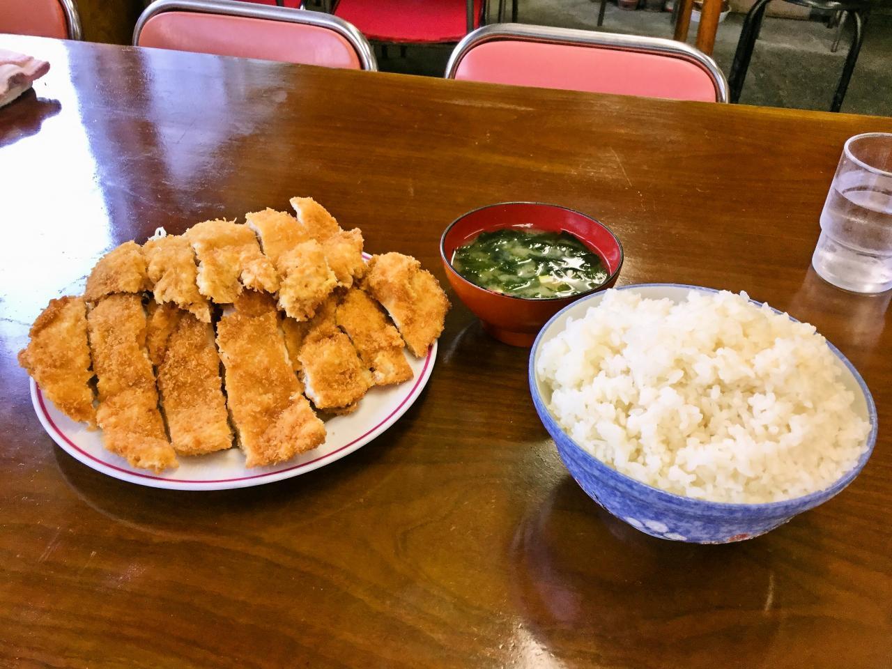 山加食堂(ジャンボチキンカツ定食)