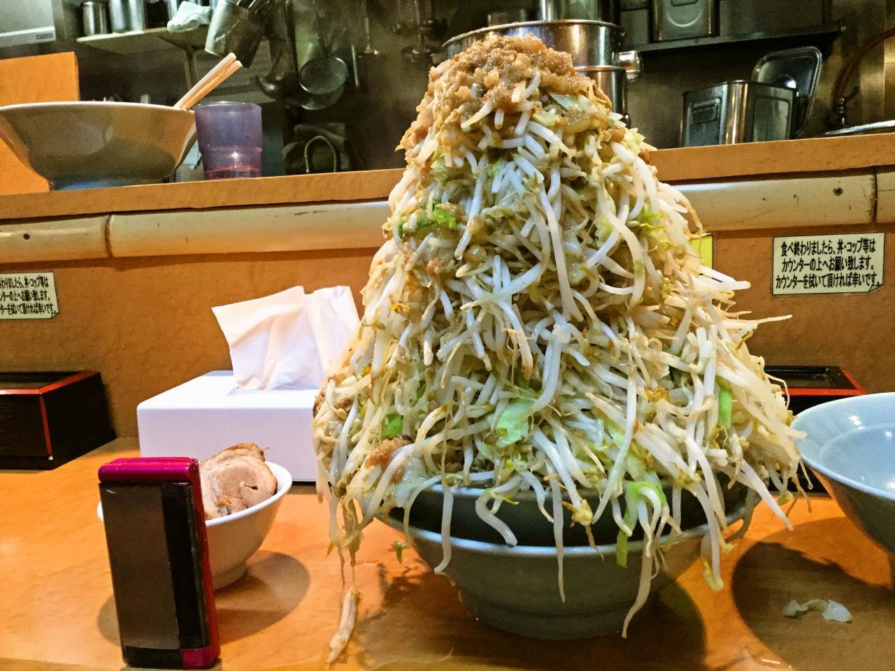 立川マシマシ ロイヤルスープ(大ラーメン野菜マシマシ)