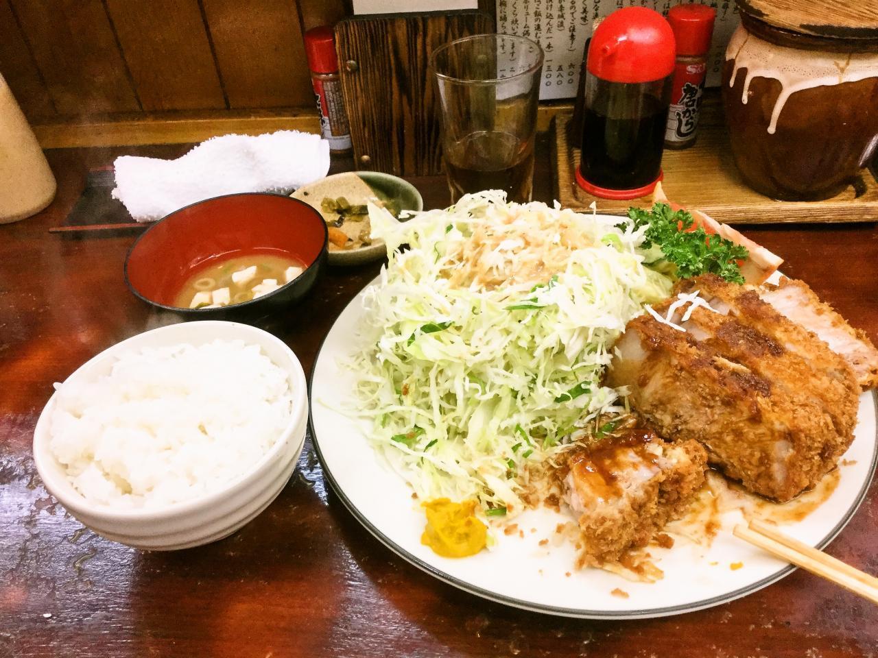 とんかつ赤城(特選ロースかつ定食)