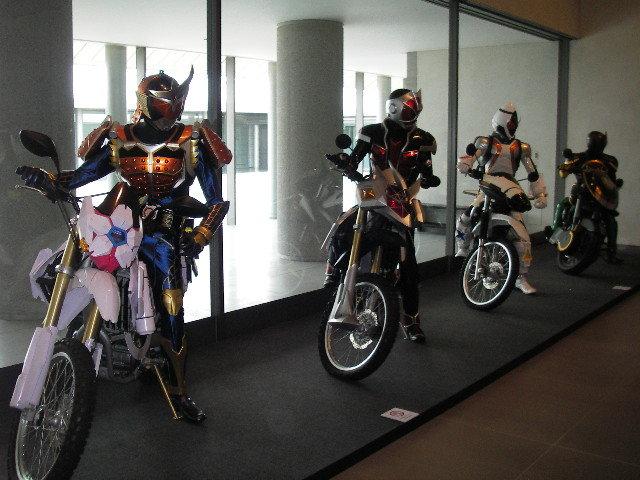 超世代 仮面ライダー プレミアムアート展ライディング1